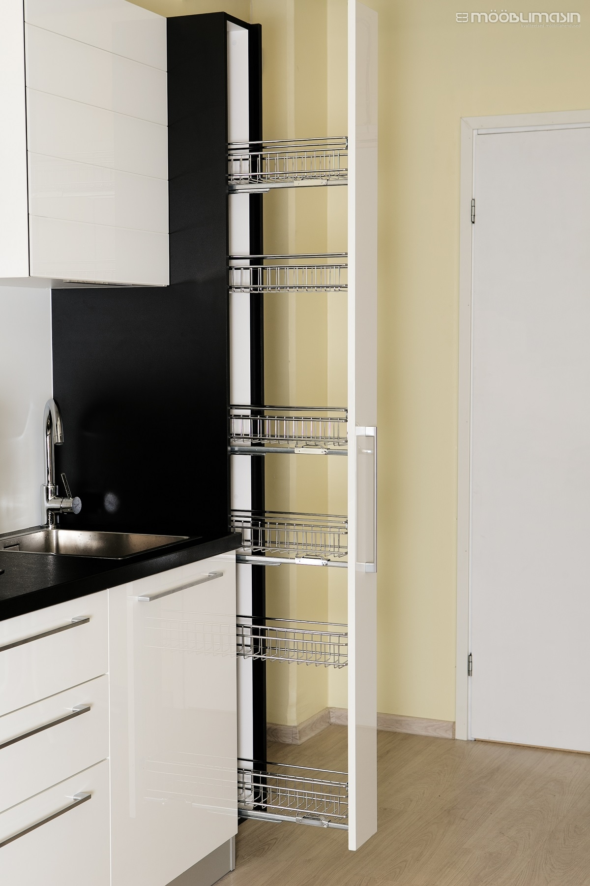 Refinish metal shelves : 150 mm