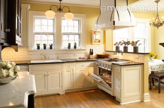 349f2b6256c Klassikalise köögi juures hinnatakse selle nn kameeleonlikke omadusi.  Näiteks lisades köögisaare juurde moodsad baaritoolid ja mängides valgusega  saame ühe ...