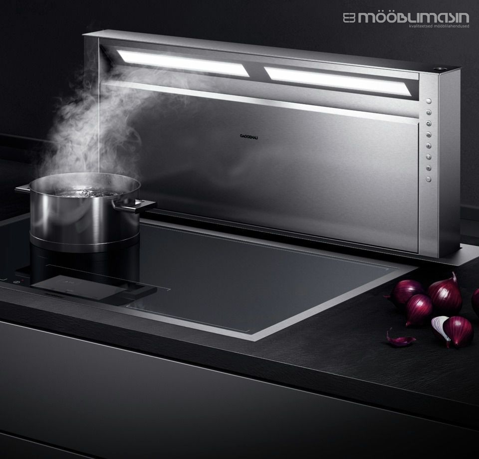 Slide-out extractor hood